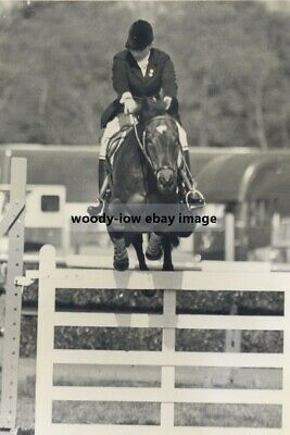 mm880 - Princess Anne , Show jumping - Royalty - photo 6x4