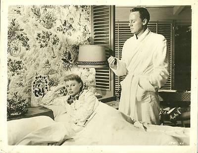 June Allyson and Van Johnson in Too Young to Kiss 1951 vintage movie photo 17247