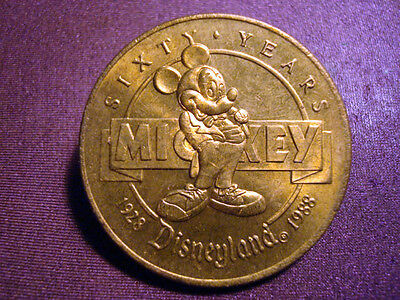 RARE 1988 DISNEYLAND MICKEY IS SIXTY BIRTHDAY COMMEMORATIVE LOGO BRONZE COIN