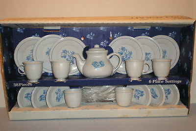 6 Place Settings Play Child Pfaltzgraff  Yorktowne Ohio Art Cup Saucer No. 429