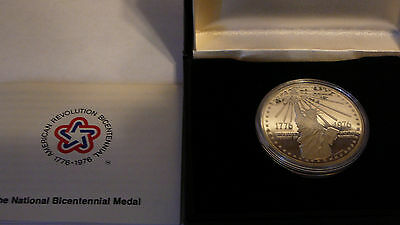Two 1976 NATIONAL BICENTENNIAL MEDALS - Silver + Gold-Plated (NR!)