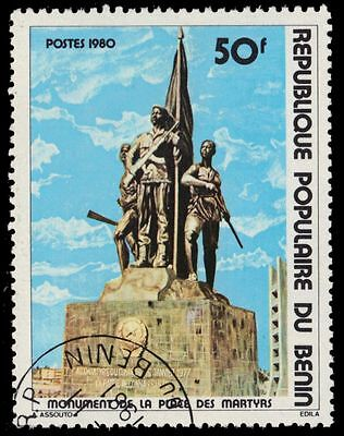 BENIN 456 (Mi208) - Martyr's Square Monument Issue (pa72669)