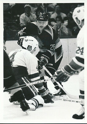 1988 Gerald Diduck Islanders on Knees Petri Skriko Canucks 5 x 7 Original Photo