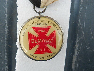 MASONIC ? 1895 BOSTON  MASS TRIENNIAL CONCLAVE Ladies De Molay K T Pin Button
