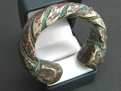 BEAUTIFUL SILVER ANTIQUE ISLAMIC BRACELET TORC, HEAVY, WONDERFULLY DETAILED