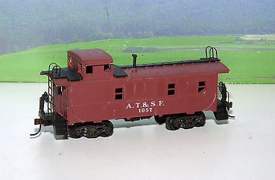 VINTAGE ATHEARN HO SCALE AT&SF SANTA FE CABOOSE #1957 w/ KNUCKLE COUPLERS