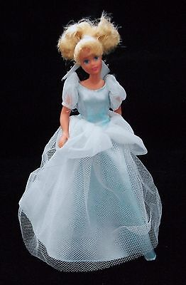 DISNEY CINDERELLA Doll 7 inches w/Star Doll Stand Lovely