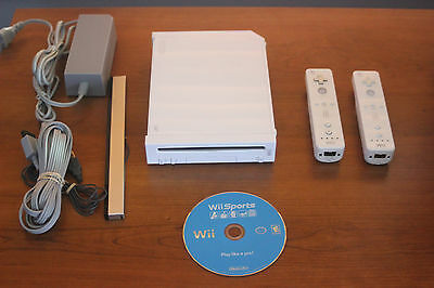 Nintendo Wii White Console complete with wii sports