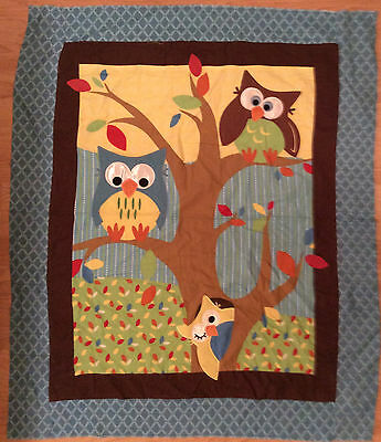 A DAISY KINGDOM 3-D APPLIQUE OWLS PERCHED IN A TREE QUILTING FABRIC PANEL