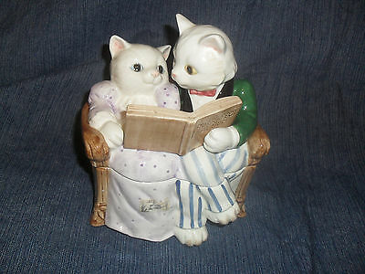 RARE Vtg. 1988  CERAMIC FITZ AND FLOYD CATS ON A COUCH TRINKET BOX HAND PAINTED