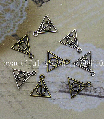 50/150pcs Antique silver lovely delicate triangle charm pendant as a gift