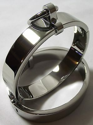 LOCKING STEEL OVAL WRIST CUFFS POLISHED SHACKLES REMOVEABLE O RING SIZE MEDIUM