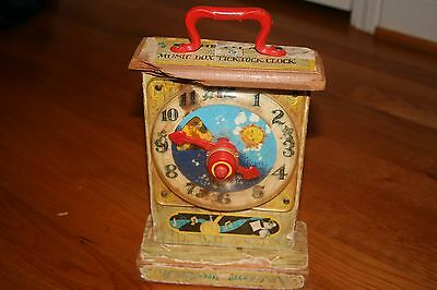 W25 Vintage Fisher Price 1962 997 Musical Tick Tock Clock  Wood Toy Learn Time