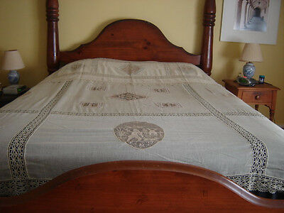 Net Lace and Figurals Ecru Bedspread & Pillow Sham & Table Scarf Vintage 30s