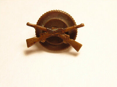 Small older brass or bronze infantry rifle insignia / pin