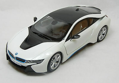Modelcar Scale 1/18 1:18 BMW i8 crystal white Paragon  Dealer Version