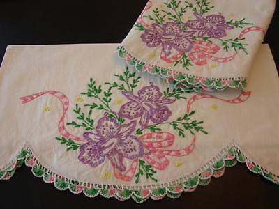 PAIR VINTAGE COTTON PILLOWCASES HAND EMB DAFFODILS JONQUILS CROCHETED