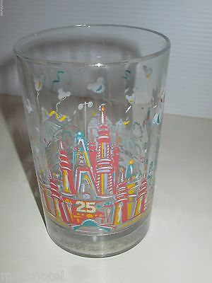 WALT DISNEY WORLD 25tth ANNIVERSARY MCDONALDS GLASS REMEMBER THE MAGIC KINGDOM