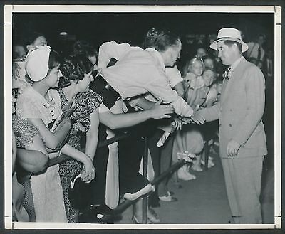 1938 MICKEY COCHRANE (Fans Say Goodbye) Vintage Baseball Photo by WM GREENE!