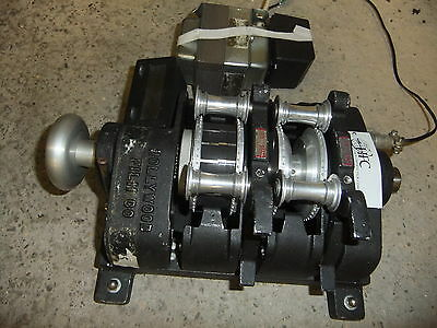 Cine film editor editing MOVIOLA 2 reel electronc HFC Hollywood 235SAPEC 35mm2