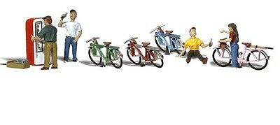 Woodland Scenics A2752 10pc Assorted Bicycle Buddies Set 0 Gauge Tracked 48 Post