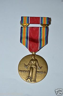 MINTY Vintage US Army World War Two Victory Medal & Ribbon Bar Pin WWII