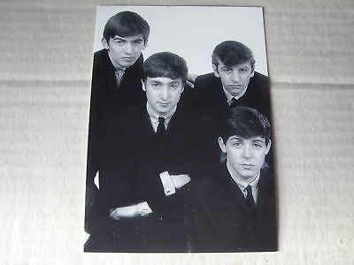 POST CARD FEATURING THE BEATLES picture of them together