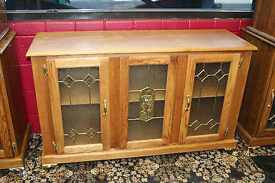 Slot Machine Wooden Stand w/ 3 Glass Doors w/ nude woman casting