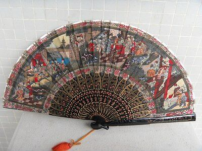 VERY RARE AND FINE ANTIQUE CHINESE HANDMADE PEINT FIGURAL SCENE GOLD LACQUER FAN