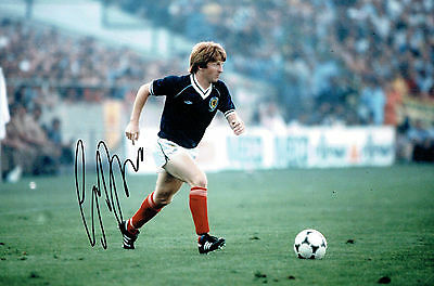Gordon STRACHAN Signed Autograph 12x8 Photo AFTAL COA SCOTLAND Football Manager
