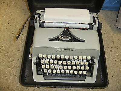 Typewriter SCHEIDEGGER Typomatic TMS portable black hard case RARE EXCELLENT
