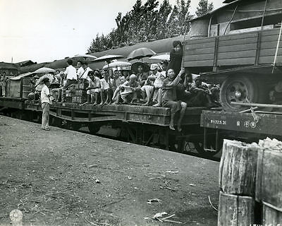 1944 MR Chinese Evacuees on Flat Car South Station Kweilin China 8x10 Photo