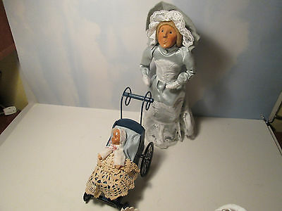 Byers Choice 1989 Mother's Day with Victorian Carriage