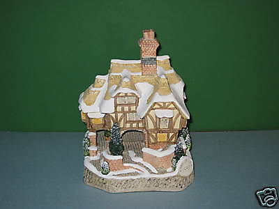 David Winter Cottages Miss Belle's Cottage Signed