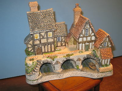 David Winter Cottages Arches Thrice Signed MIB COA
