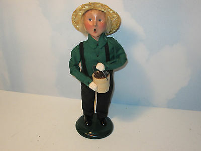 Byers Choice 2002 Exclusive Amish Boy with Pinecone Bucket