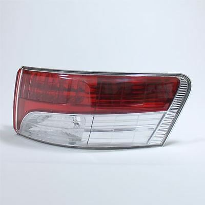 Toyota Avensis Mk3 2009-> Saloon Rear Tail Light Drivers Side O/s