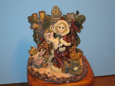 Boyds Yesterdays' Child Sandra Claus With Fireplace 1st