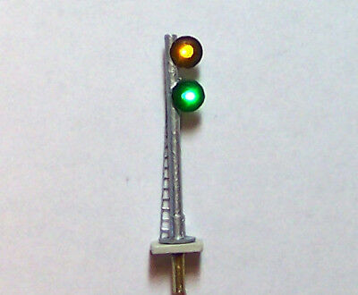 Double Searchlight Track Signal 3 Color Right Version Z Scale FREE U.S. SHIPPING