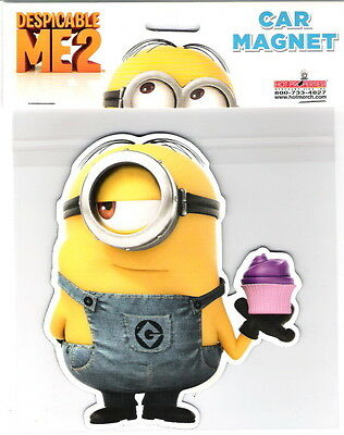 Despicable Me Movie Minion Holding A Cupcake Figure Large Car Magnet, NEW UNUSED