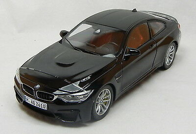 Modelcar Scale 1/18 1:18 BMW M4 Coupe f82 sapphire black metallic NEW