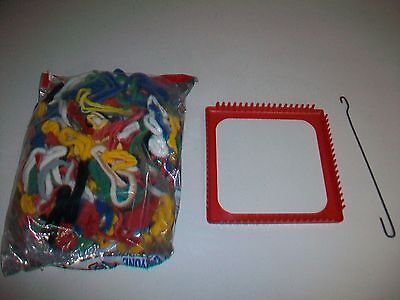Vintage Pot Holder Weaving Loom & Loops by Wool Novelty