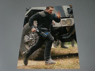 Jai Courtney  Terminator signed signiert Autogramm auf 20x28 Foto in person