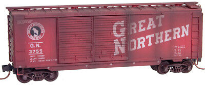 Micro-Trains MTL N-Scale 40ft Standard Box Car Great Northern/GN Weathered #3755