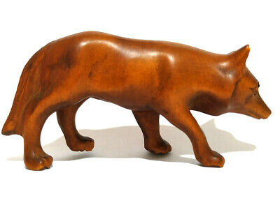 "Y2242 --- 2"" Stunning Hand Carved Boxwood Netsuke - WOLF"