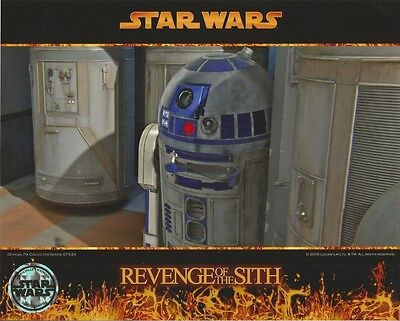 Star Wars R2-D2 Hiding in Revenge of the Sith 8 x 10 Inch Photo