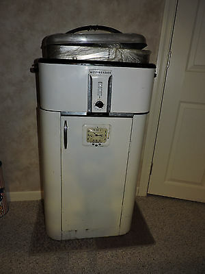 """Vintage Westinghouse Roaster w/Stand and 2"""" steel extension"""