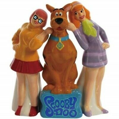 Scooby-Doo and Girls Velma and Daphne Ceramic Salt and Pepper Set, NEW UNUSED