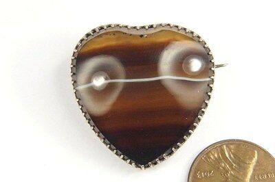 ANTIQUE ENGLISH LATE VICTORIAN PERIOD HEART SHAPED BANDED AGATE BROOCH c1880