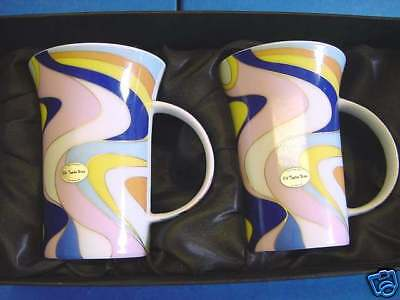 Boxed Pair Of Funky Retro Old Tupton Ware Porcelain Mugs 4251